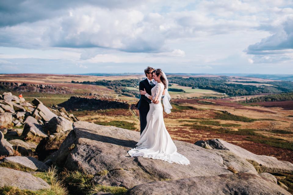 couple shoot in peak district